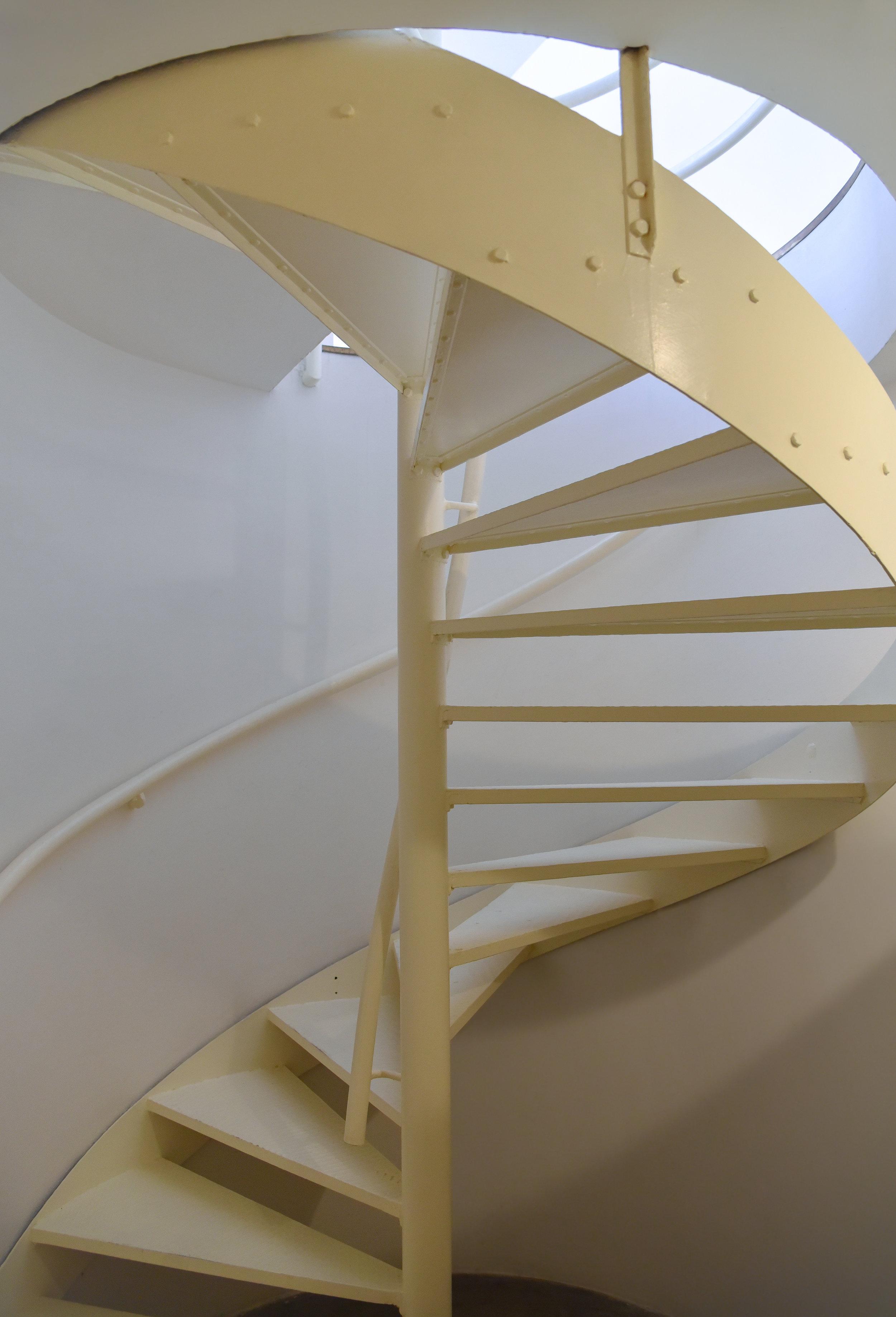 WINDING STEEL STAIRCASE