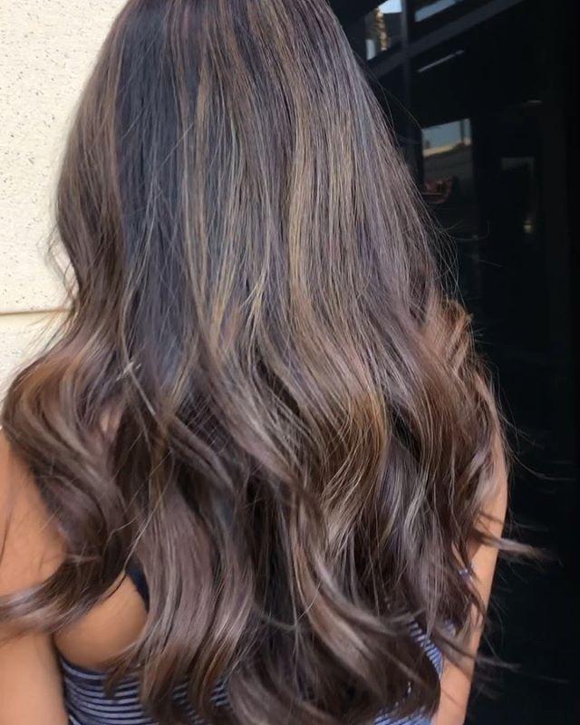 Subtle highlights ✨👌🏾 #brunettehair #brunette #brownhair #sunkissedhair #sunkissedhighlights #honeyhighlights