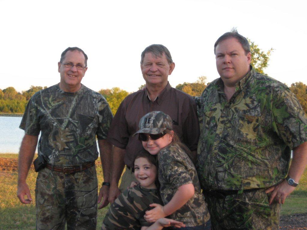Larry Argo Hunting Group.JPG