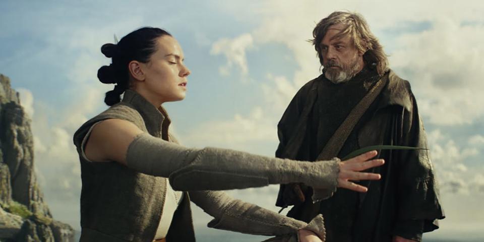 Star-Wars-The-Last-Jedi-Rey-Luke-Force.jpg