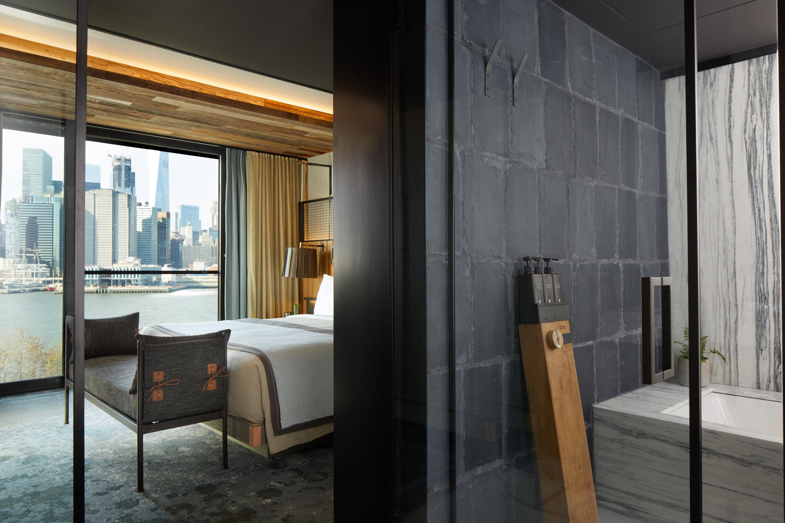 1_Hotel_Brooklyn_Bridge_Skyline_Suite_Bathroom1_HI (1).jpg