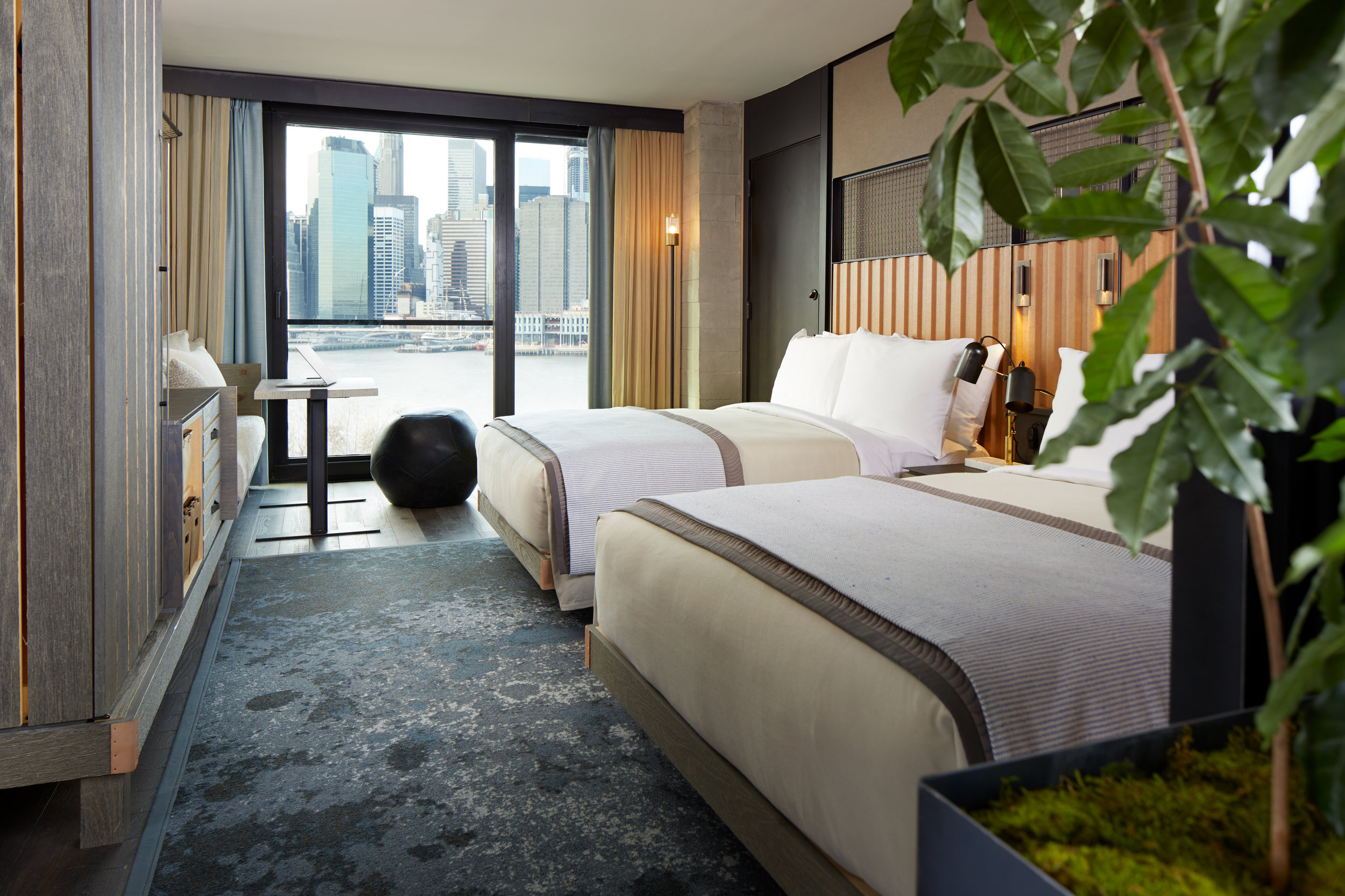 1_Hotel_Brooklyn_Bridge_Skyline_Two_Bed2_HI.0 (1).jpg