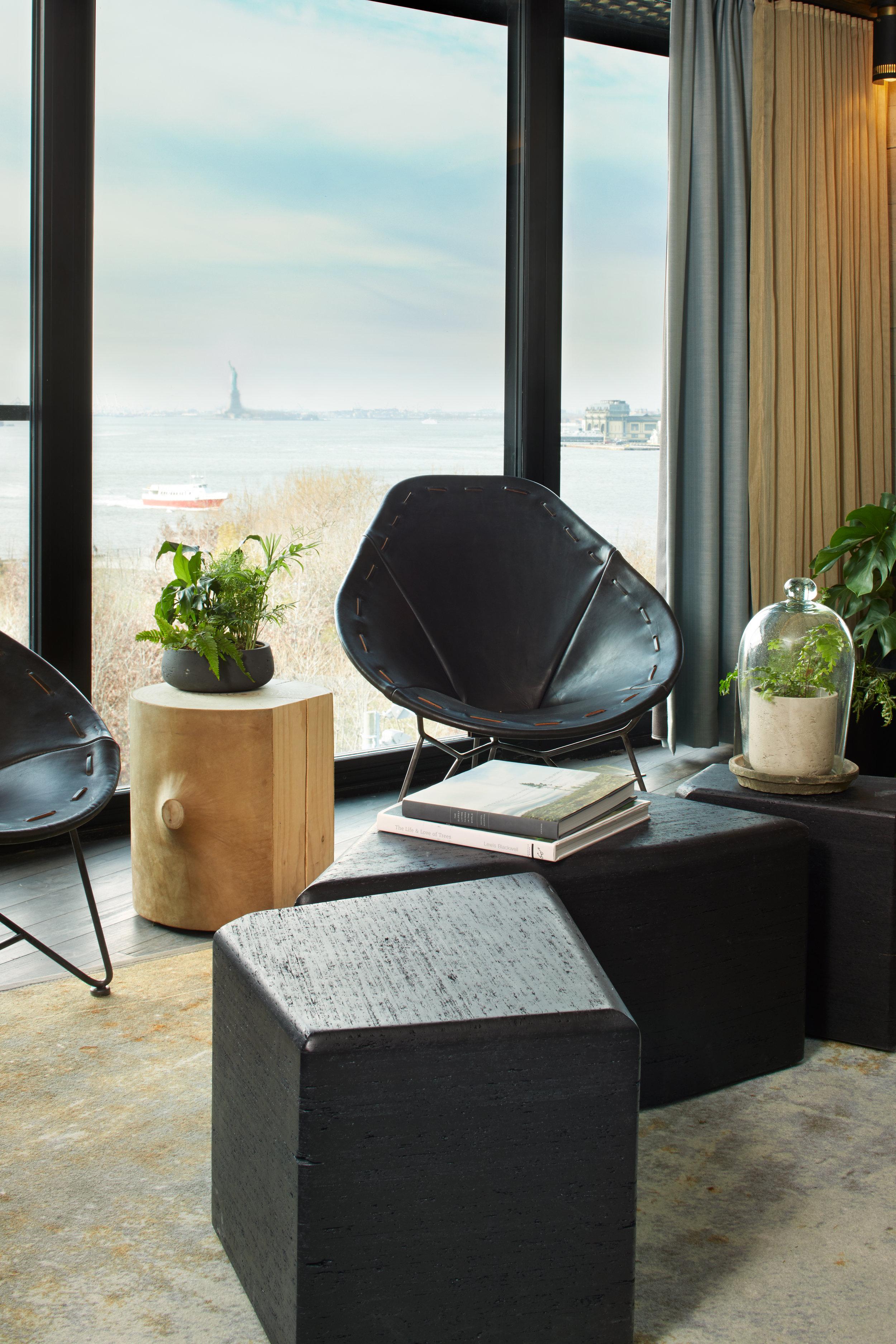 1_Hotel_Brooklyn_Bridge_Suite_Living_Detail_HI.jpg