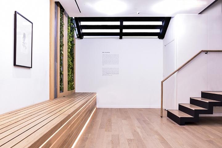 Zazen-Bear-Flagship-store-by-Sinfonia-Group-New-York-City-07.jpg