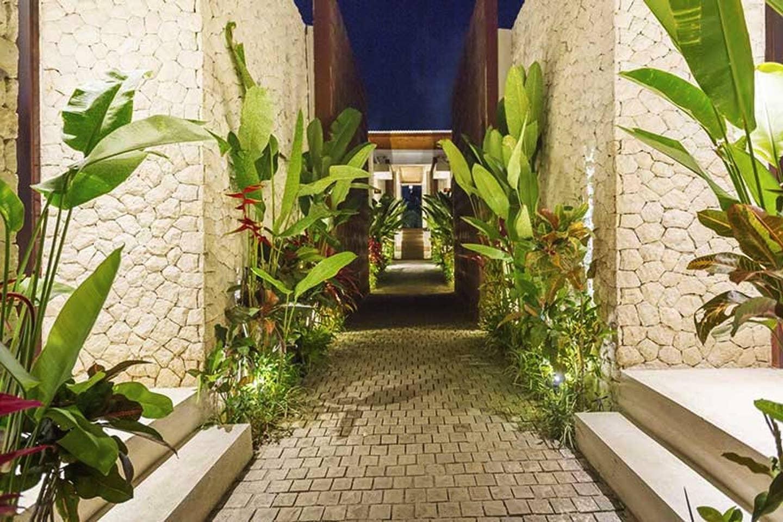 MissionHillYoga-retreat-Augsut2020-Bali-entry.jpg