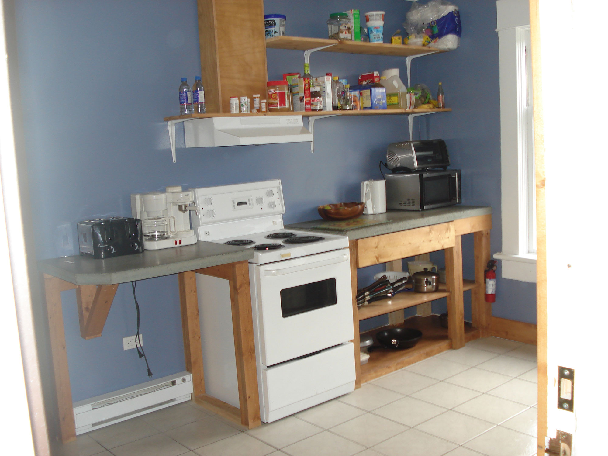 suite_kitchen_18_large.jpg