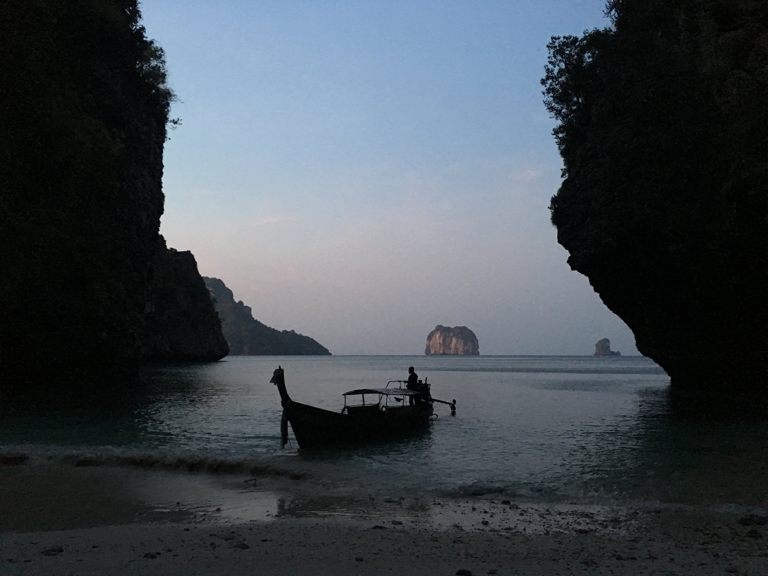 Dawn on the uninhabited Poda Island where a group of us spent the night before saying goodbye to Tonsai