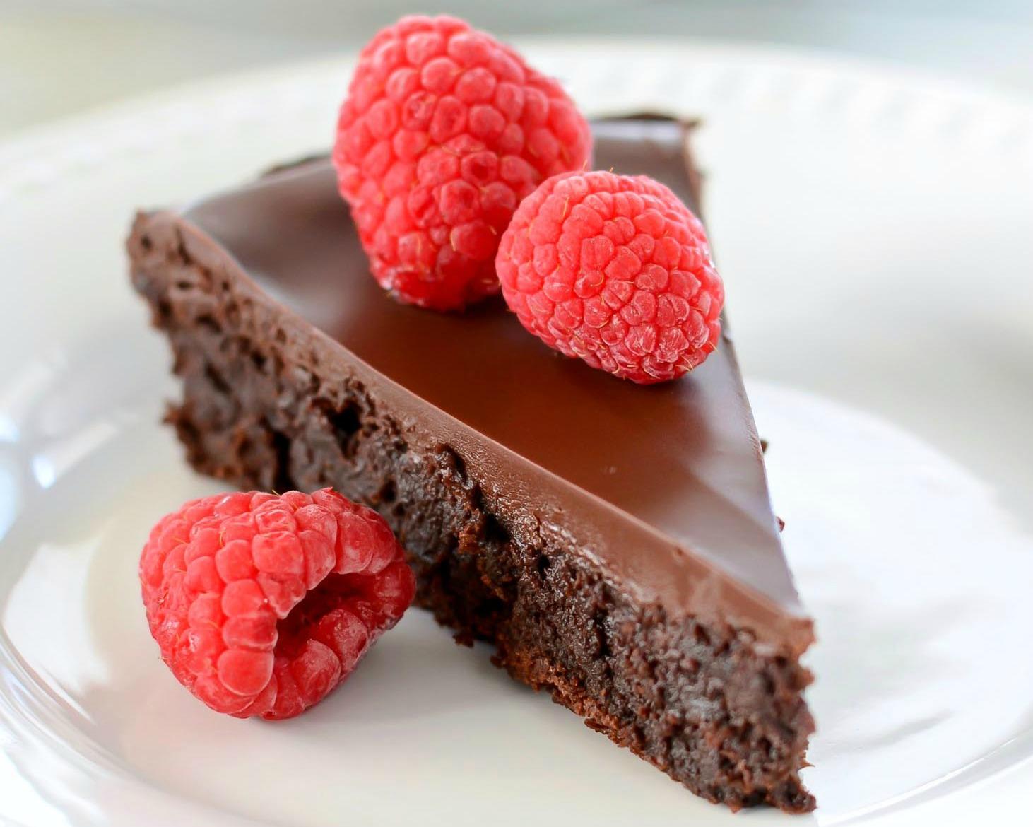 flourless-chocolate-cake-1-horizontal.jpg