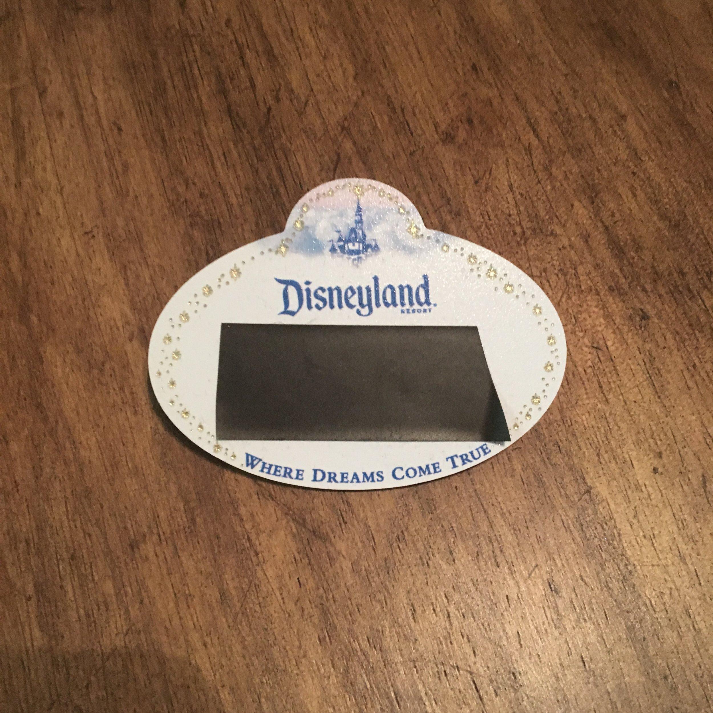 How To Keep Your Kids Safe At Disneyland. #Disneyland #DisneyCaliforniaAdventure #DisneyWithKids #DisneylandTips #FamilyTravel