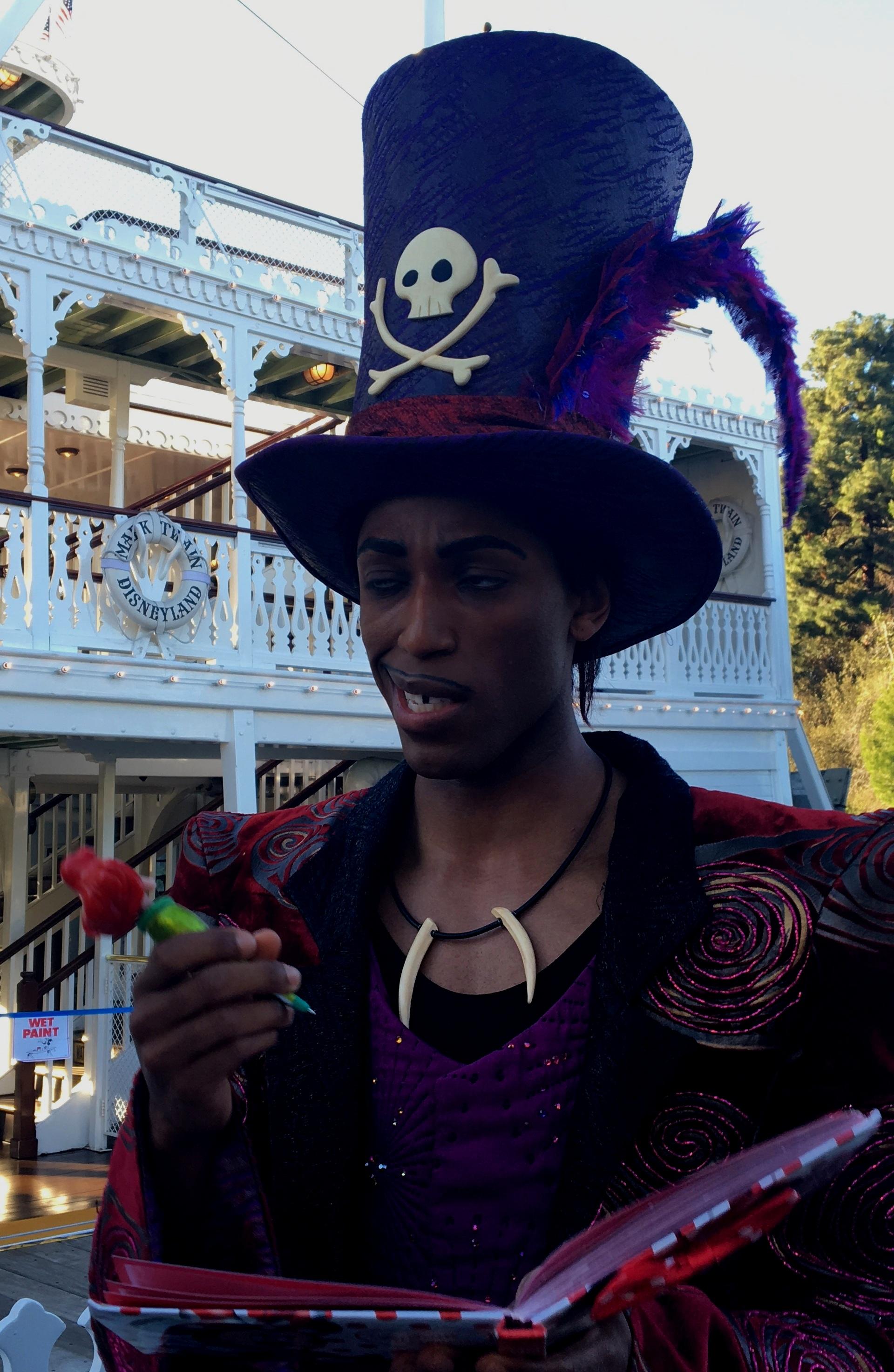 Disneyland Etiquette. #Disneyland #DisneyCaliforniaAdventure #Disney #Travel