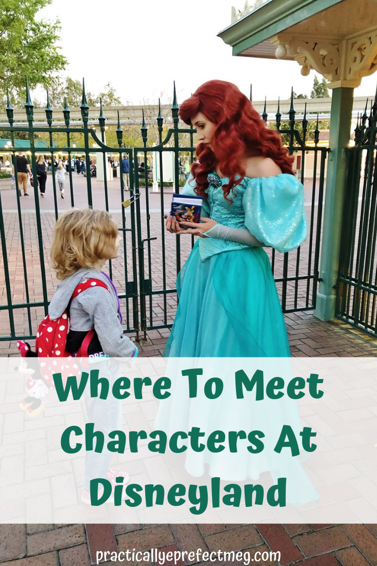 How to meet characters at Disneyland and Disney California Adventure. Tips on Character Dining and where to find Mickey Mouse in the parks. #Disneyland #DisneyCalifnorniaAdventure #Disney #Travel #FamilyTravel #MickeyMouse