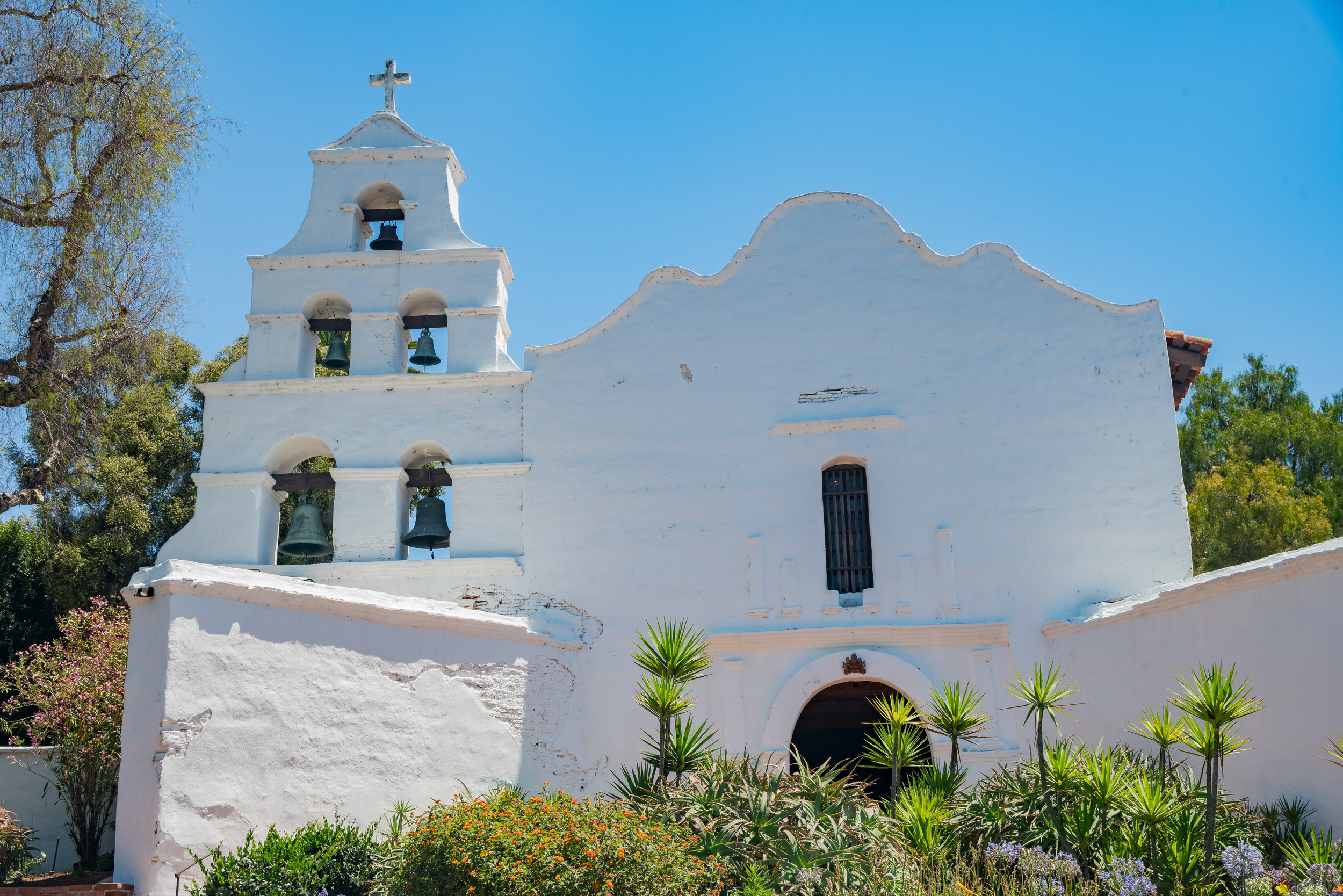 Exterior view of the historical Mission San Diego de Alcala