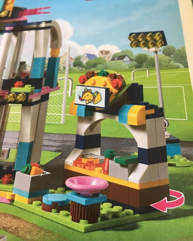 Trump my not like us Mexican immigrants, but LEGO is ok with us and our taco stands!