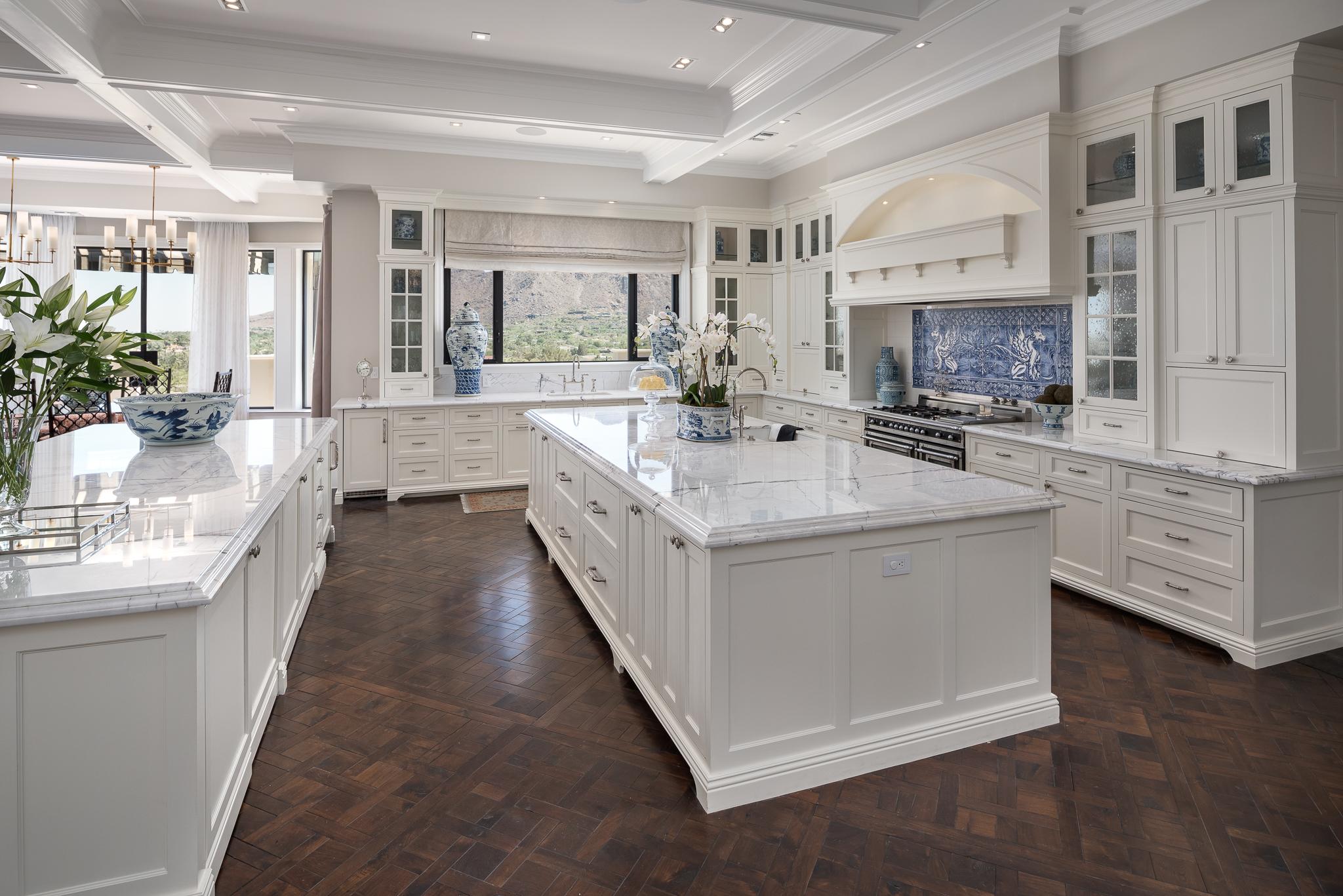 15- Into Kitchen.jpg
