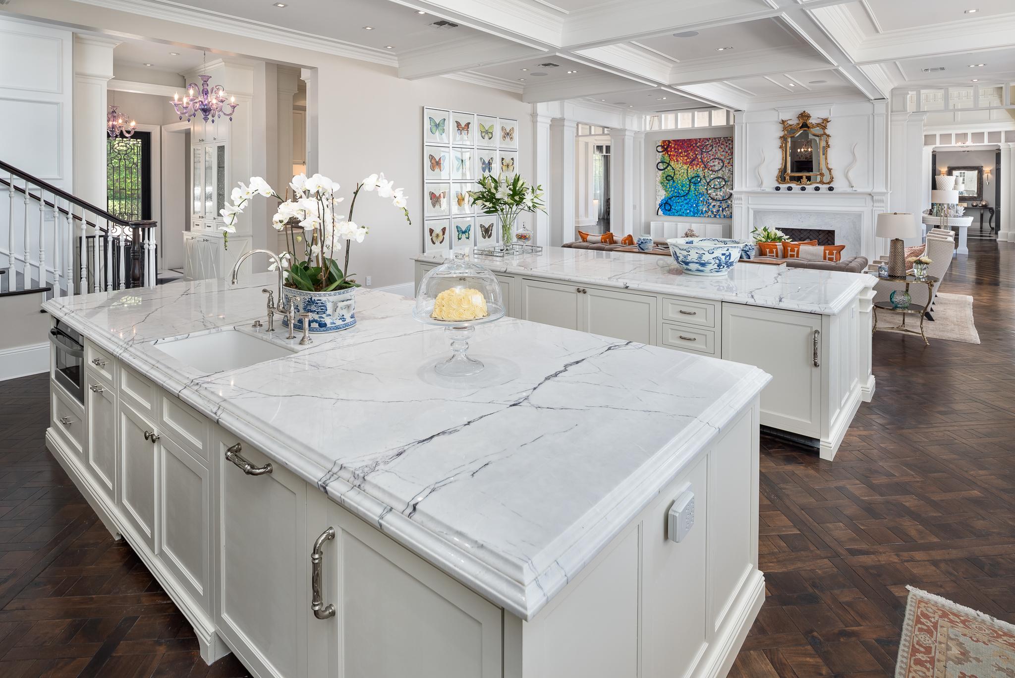 17- Kitchen.jpg