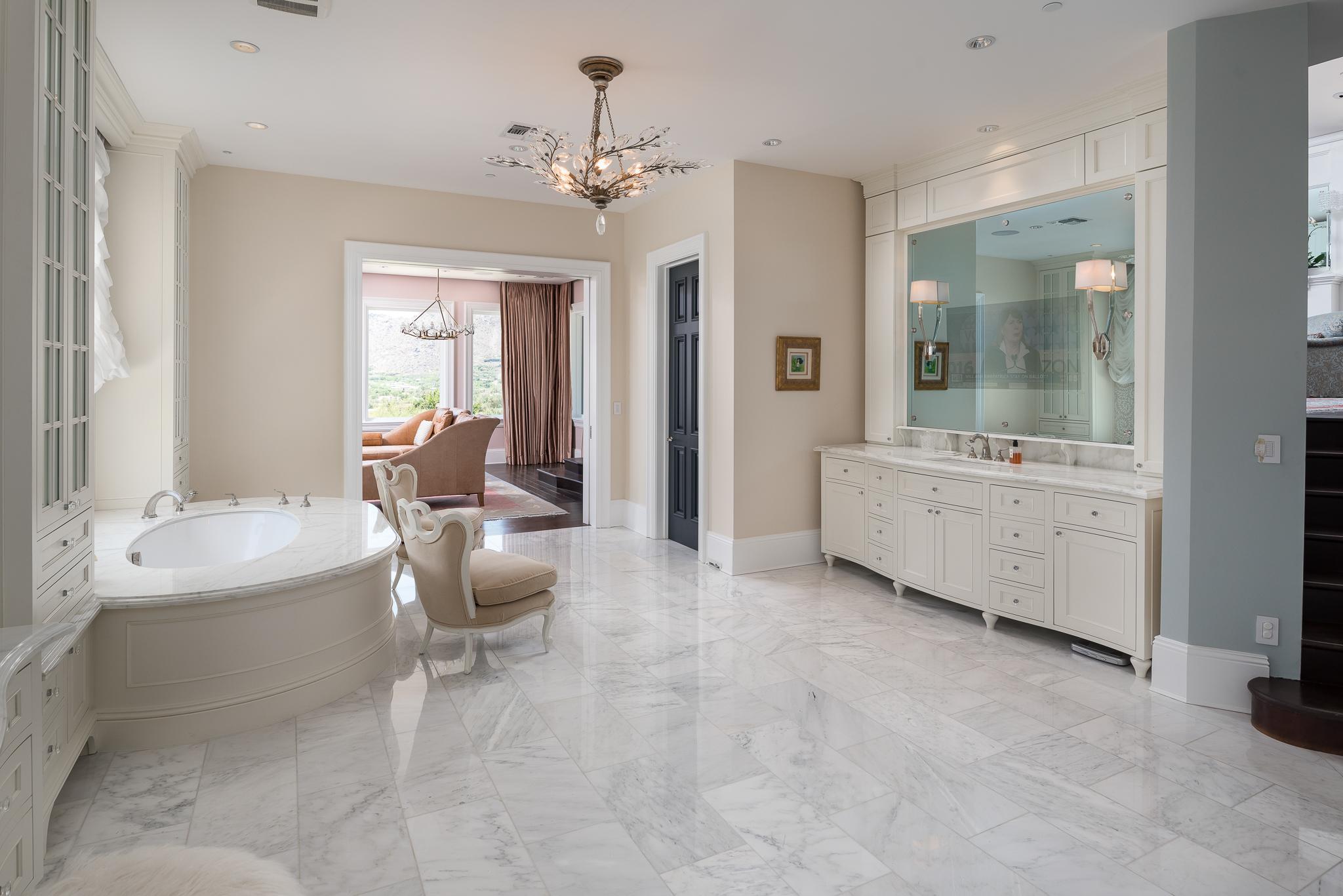 37- Master Bath.jpg
