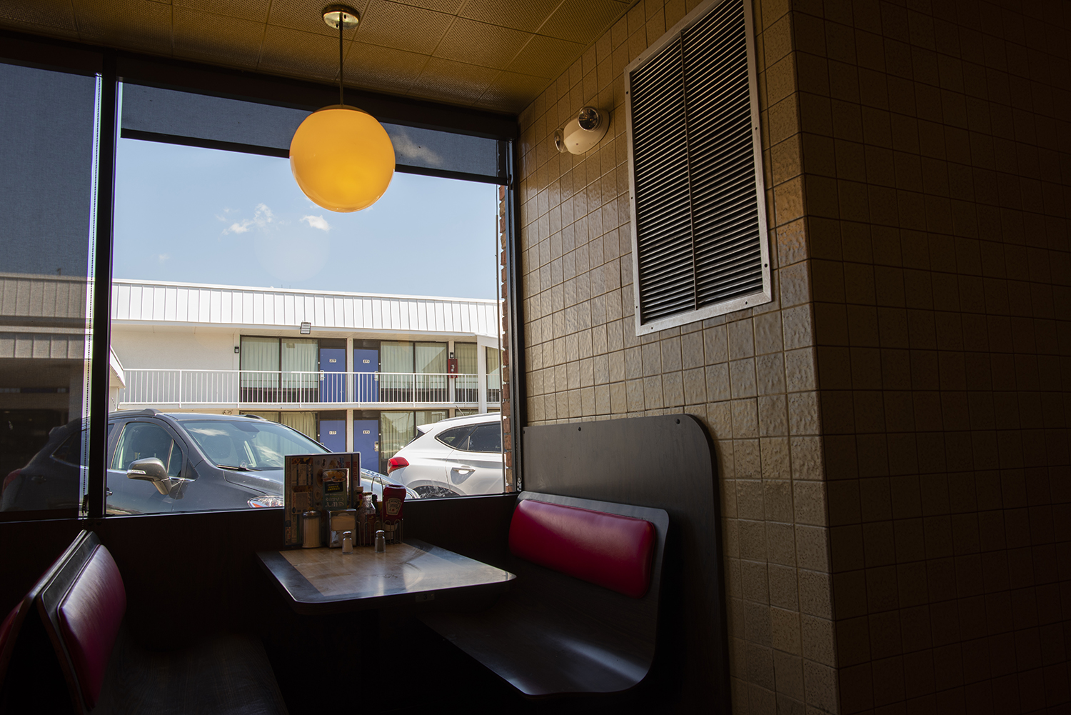 Store #604: West Memphis, Arkansas (from the series  Waffle House Vistas )