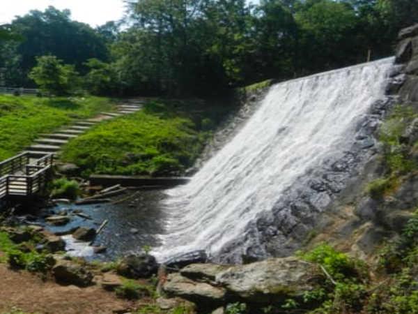 Mountain Lake Dam.jpg