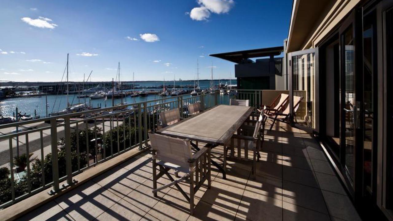 Viaduct-City-Apartments-For-Sale-Auckland-Hamish-Duke-The-Parc.jpg