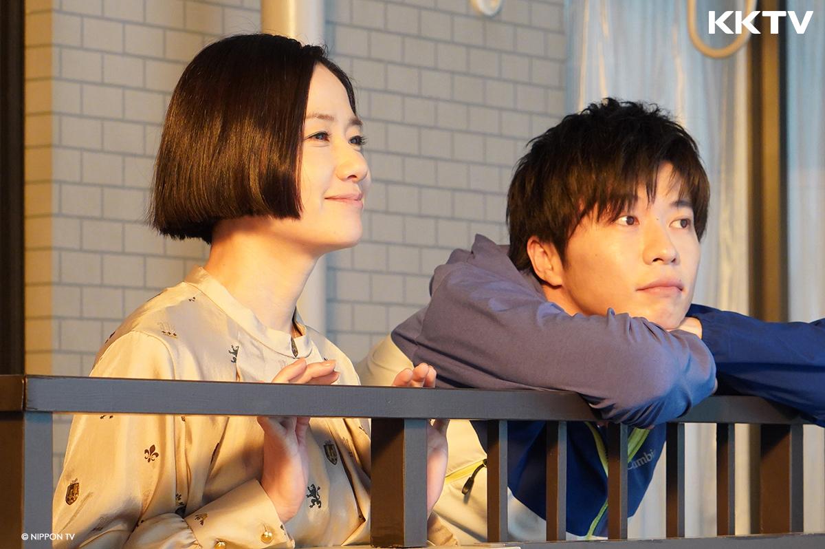 《 大叔的愛 》 田中圭 、1980年代玉女掌門人 原田知世 上演相差15歲的模範姐弟戀夫妻。
