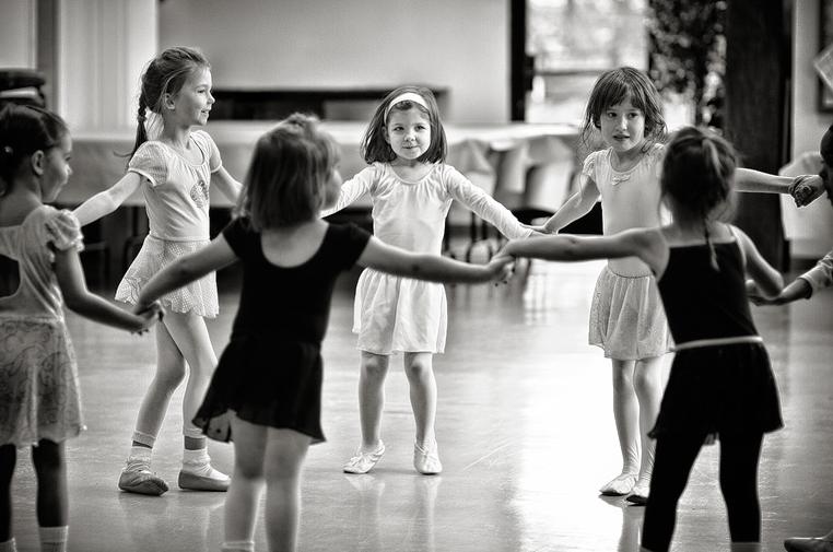 Circle Dance Kids.png