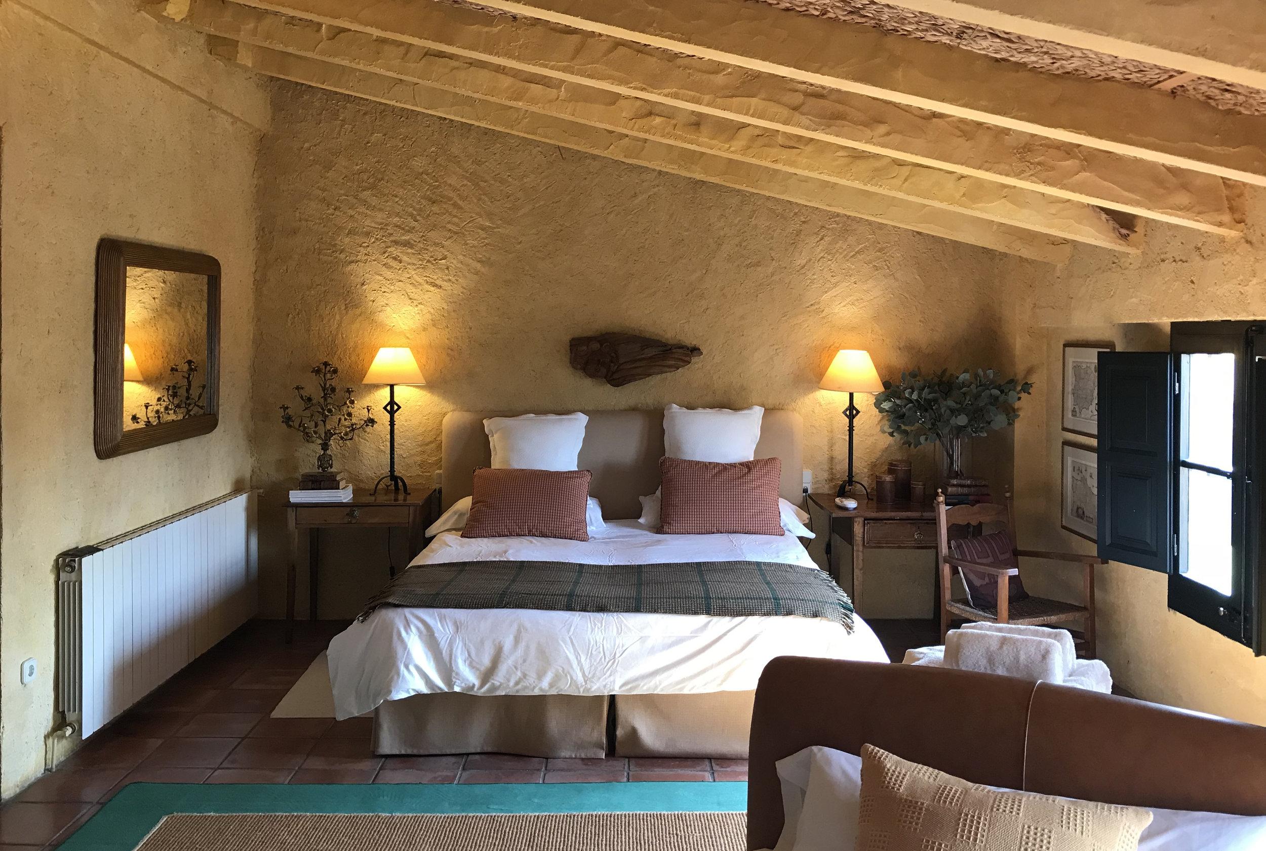 Amarilla bed1.jpg