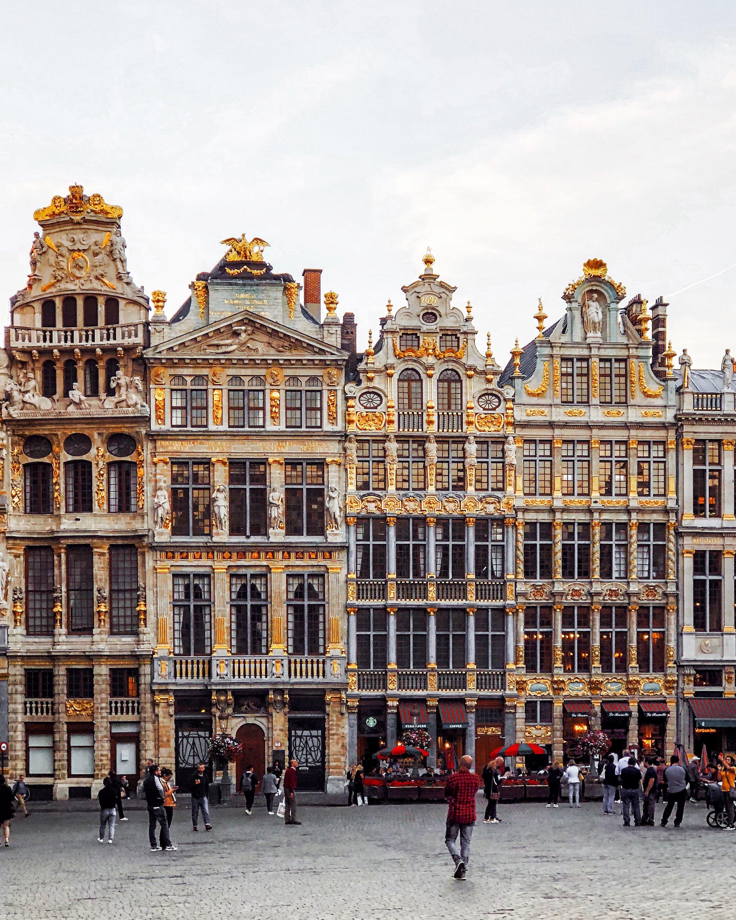Brussels - Ellie Dyduch