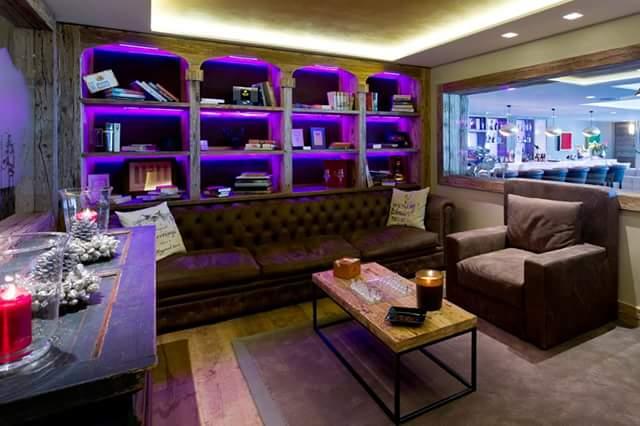 Hotel Rougemont – smoking room