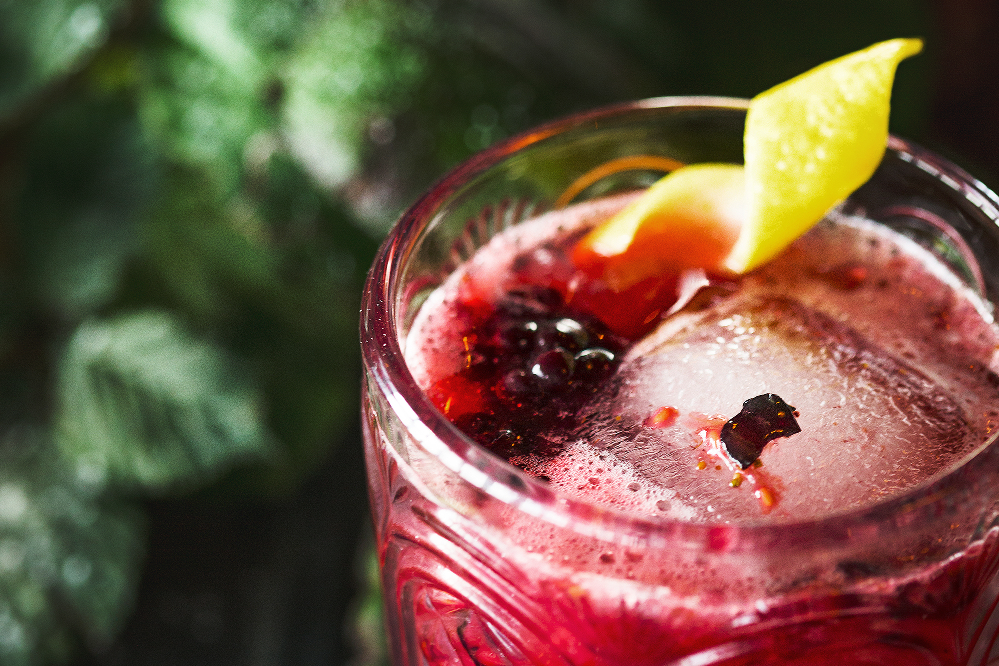 St Ives Super Berry Smash Gin Cocktail