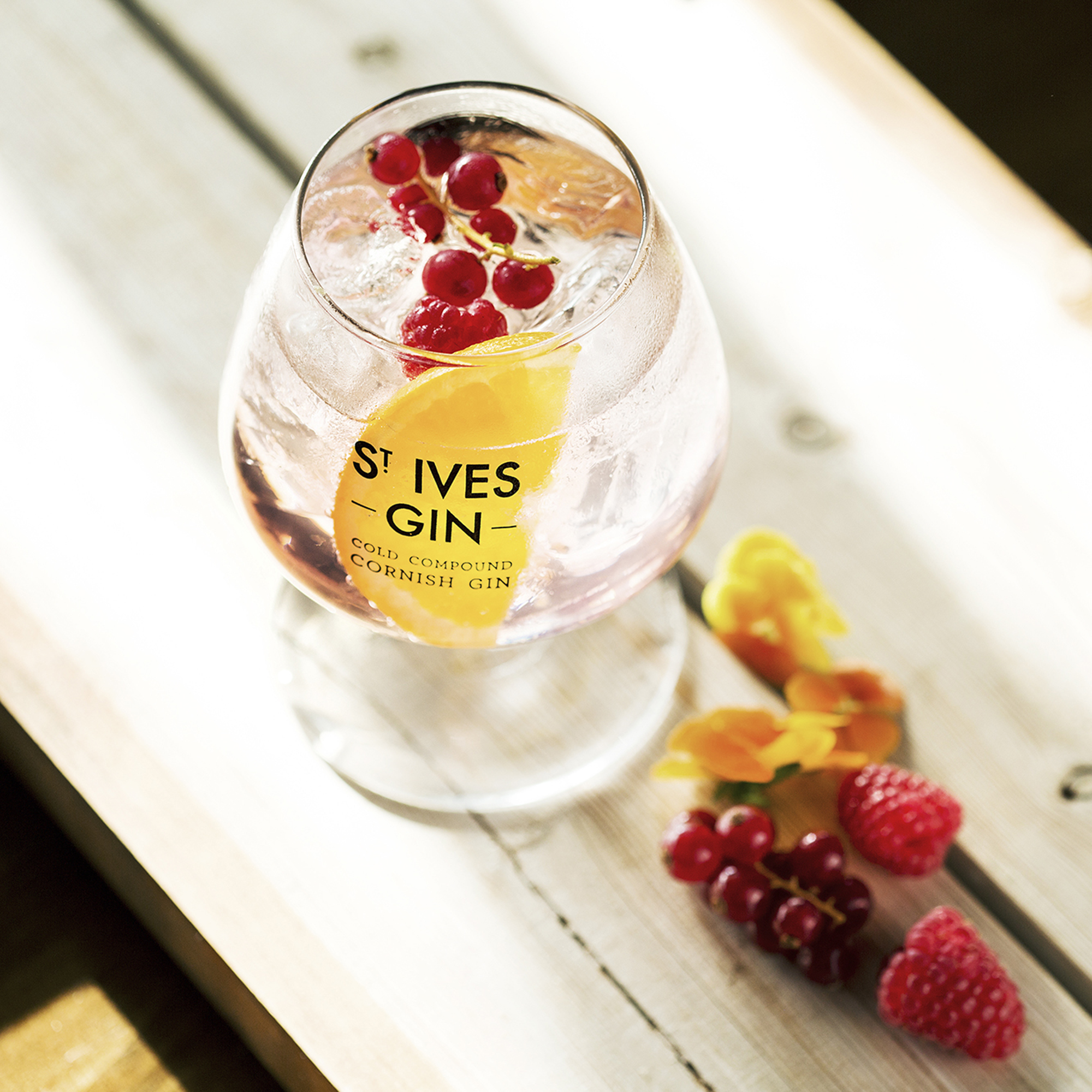 St Ives Super Berry Gin Signature Gin & Tonic Serve