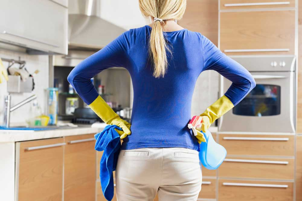 woman_cleaning.jpg
