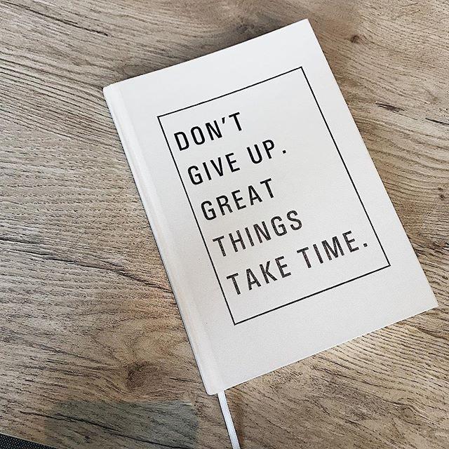 Good Morning! 🖤 Start the week right ✨