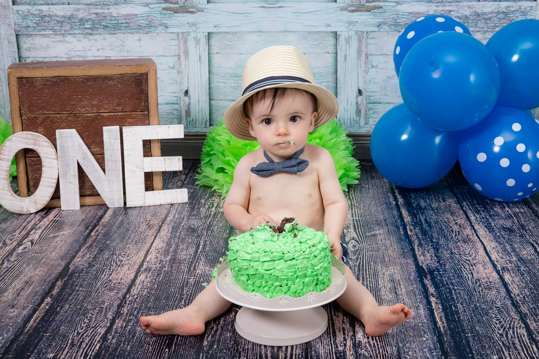 First Birthday Cake Smash Session courtesy of @ScrappySistersPhotography
