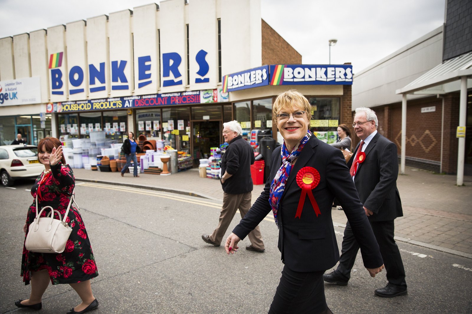 Comedian Eddie Izzard campaigning for the Labour Party in Loughborough.