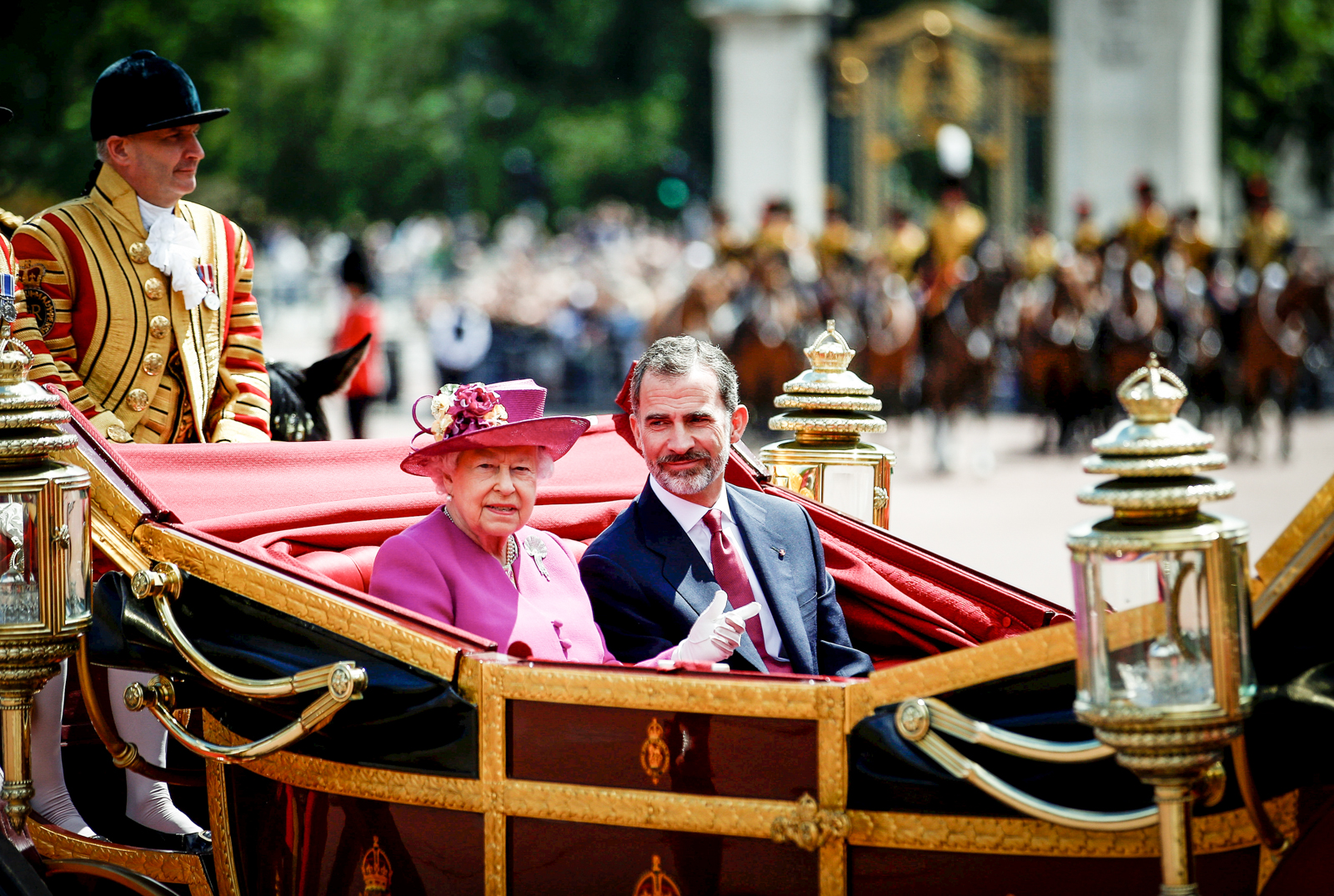 His Majesty King Felipe VI of Spain, accompanied by Her Majesty Queen Elizabeth II arrive at Buckingham Palace.