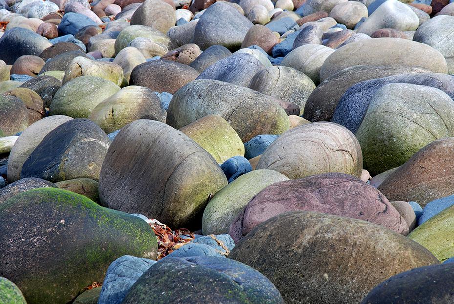 Eroded boulders, Rackwick Bay, Hoy