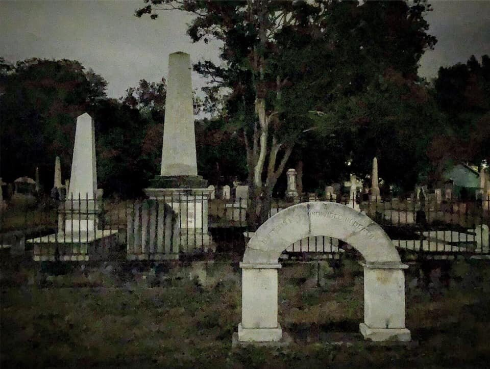 haunted-raleigh-tours-city-cemetery.jpg