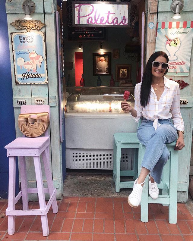 i was so thirsty when spotted this cute little place 🍡🍦☀️