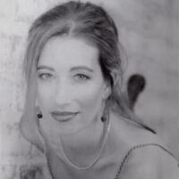 Soprano Maureen Broy Papovich