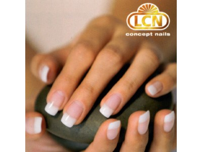 hands mastering gel nails flyer.jpg