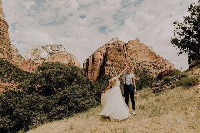The day after this amazing elopement I decided to hike the narrows. I woke up early to make sure I made it back to Vegas before my flight at 6pm that evening. After getting my morning latte and parking my rental car at the visitor center I waited for the shuttle that took me to the narrows trailhead. ——— The shuttle finally arrived and I hopped on. When the wheels started to move I heard this kind voice come on over the loud speaker, she continued to talk about how she is a park ranger in the area and what plant species are native here. After each bus stop a new voice came on the speaker with new knowledge. . ——— After the stop at Zion Lodge I heard a photographer come on and he said something that really struck me. He talked about how as photographers we help preserve the world. ——— Wow. I have never thought about it that way. I mean if there weren't photographers how would anyone who doesn't live near anything this spectacular have known it was even real? It is our job to make people aware of these unearthly places, so they themselves can make a change. ——— A change that will leave these amazing National Parks for our kids and grand kids to explore. A change that will not lead all of our polar bears to extinction. I know that everyone can't cut plastic out of their lifestyle. And I know that not everyone can spend their free afternoons picking up trash. But people, do what you can. Even if ifs not 100%. Imagine if everyone put in only 30% effort. That could still change the world. . ——— So next time say no to that straw. Pick up that trash that was already at your campsite when you got there. And just know that even if you put the tiniest bit of effort in, it's still better than nothing. You can make a difference, don't let anyone tell you you can't. Because they are lying. #CassandraMichellePhotography