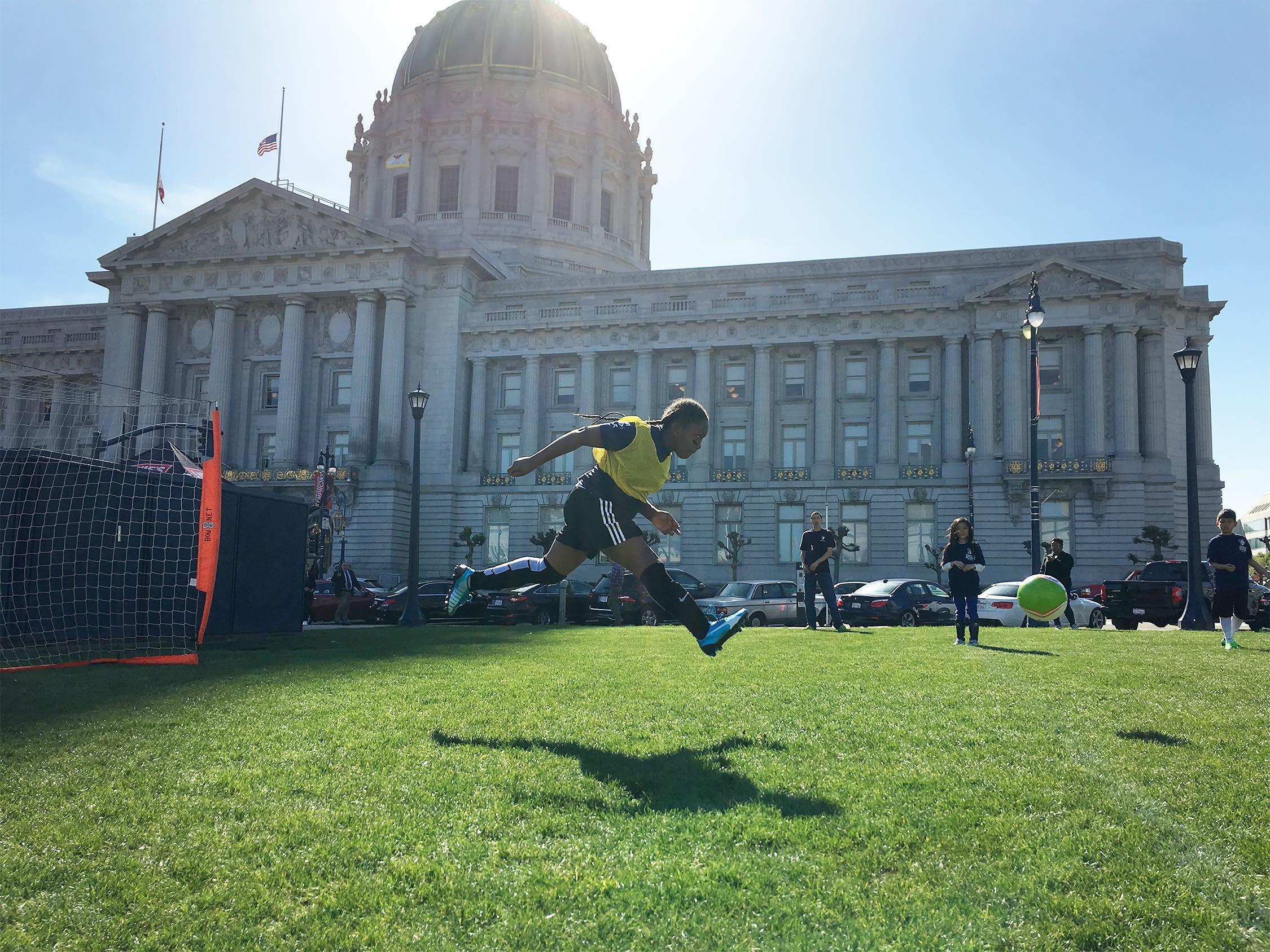 162-150dpi-kids-playing-soccer-2.jpg