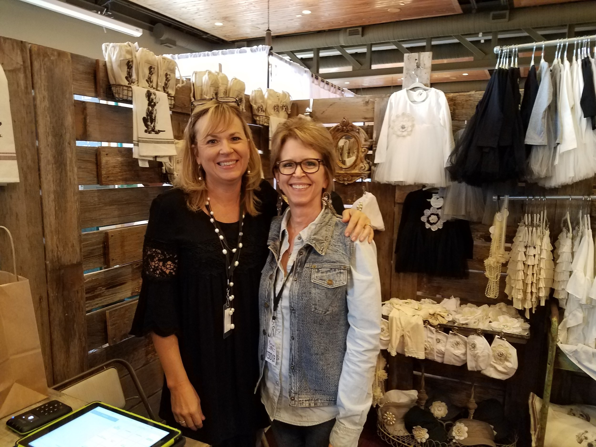 The lovely ladies of  Farmhouse 228 Designs