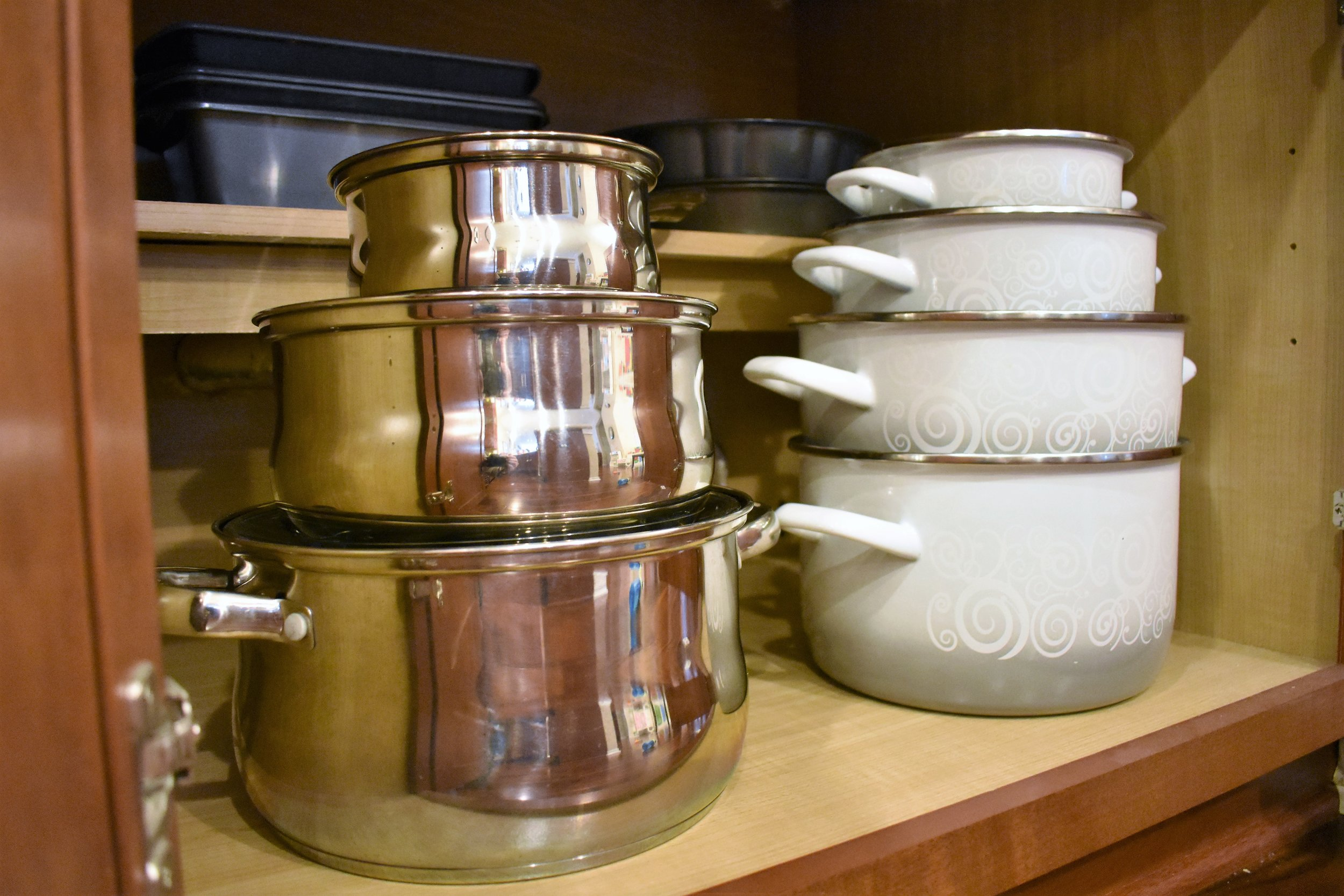 Kitchen pots and pans lid storage - kitchen storage and organization