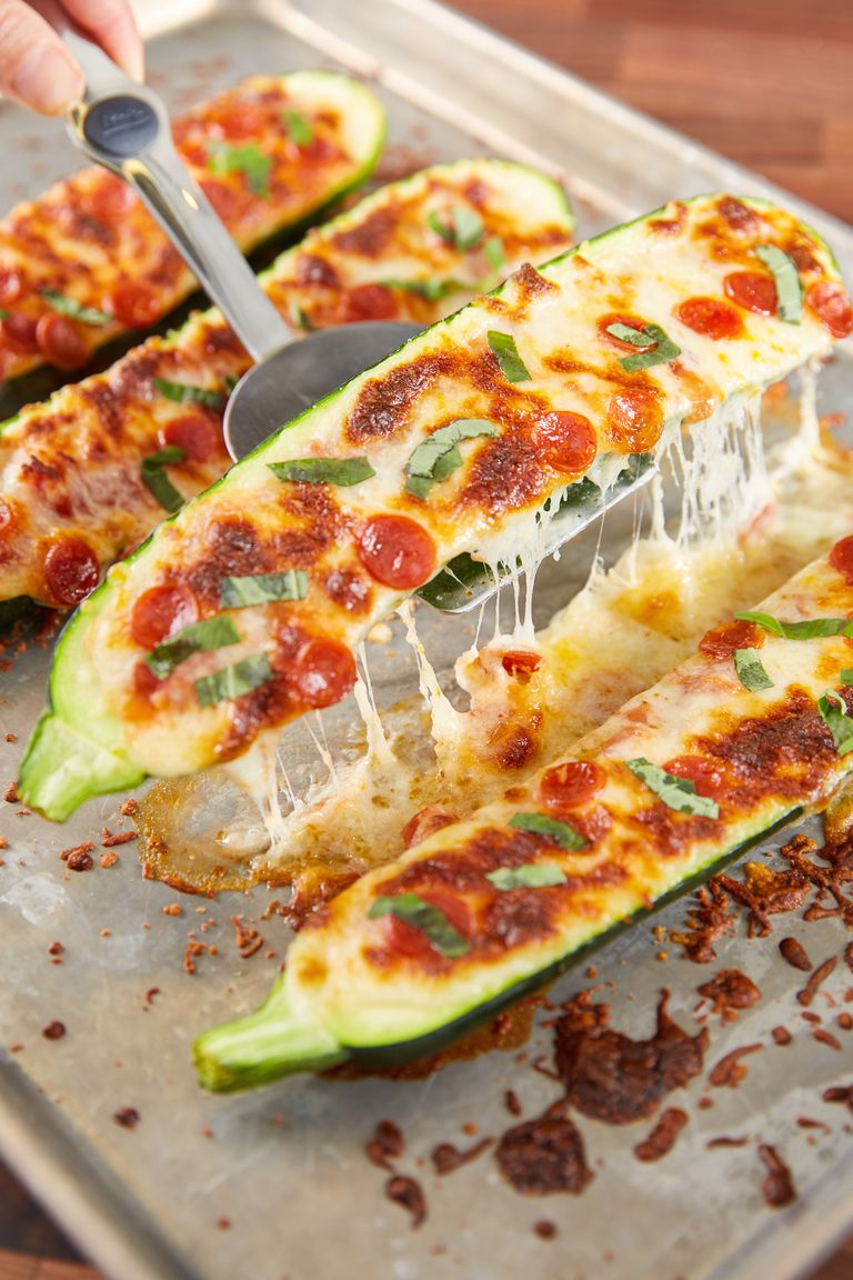 PIZZA ZUCCHINI BOATS LOW CARB DINNER RECIPE