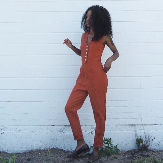 Helloooo jumpsuit weather 🍊