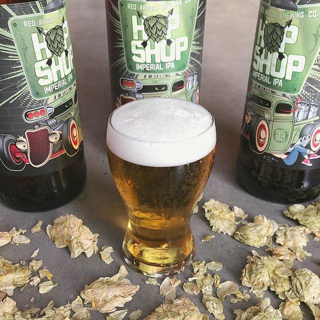 LIMITED RELEASE: it's baaaack! ⚡️Try our Hop Shop Imperial IPA while quantities last - available in the tasting room starting today and hitting store shelves around the island next week! This brew is big, bold, and very hop forward, clocking in at 7.5% ABV and with 95 IBU's - it's not for the faint of heart. Carried by a light malt body, we've supercharged this single batch brew with plenty of Zeus, Cascade, Mosaic, Chinook, and Amarillo hops for your enjoyment. You'll find notes of zesty fruit punch (think blueberries, grapefruit, and guava) and a floral, bitter finish that'll leave you wanting more. 🌱🍻 Hoppy new beer, everyone! . . . #redarrowbeer #limitedrelease #hopshop #imperialipa #craftbeer #bccraftbeer #bccraftbreweries  @bccraftbreweries @bcaletrail #cowichanvalley #supportlocal #oldfavourite #limitedbrew #singlebatchbeer #hoppybeers  #strongbeers #notforthefaintofheart #hopheadsonly #hoppynewbeer