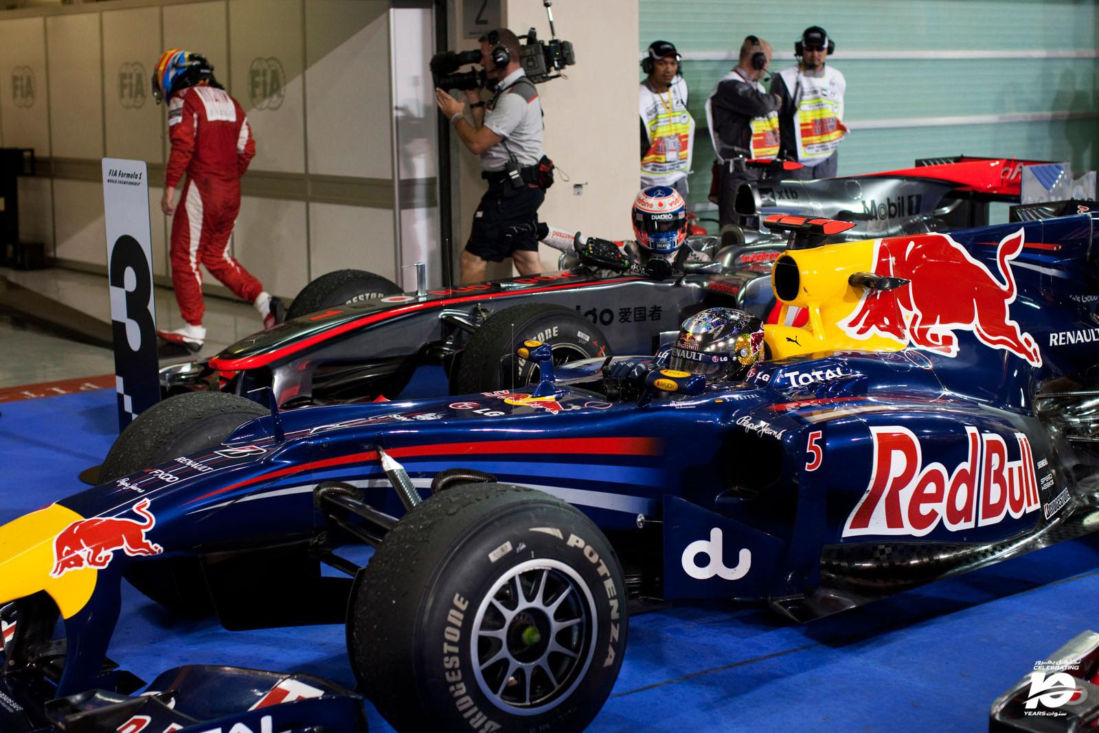 6.SVettel_F.Alonso_Abu_Dhabi'10_128_.jpg