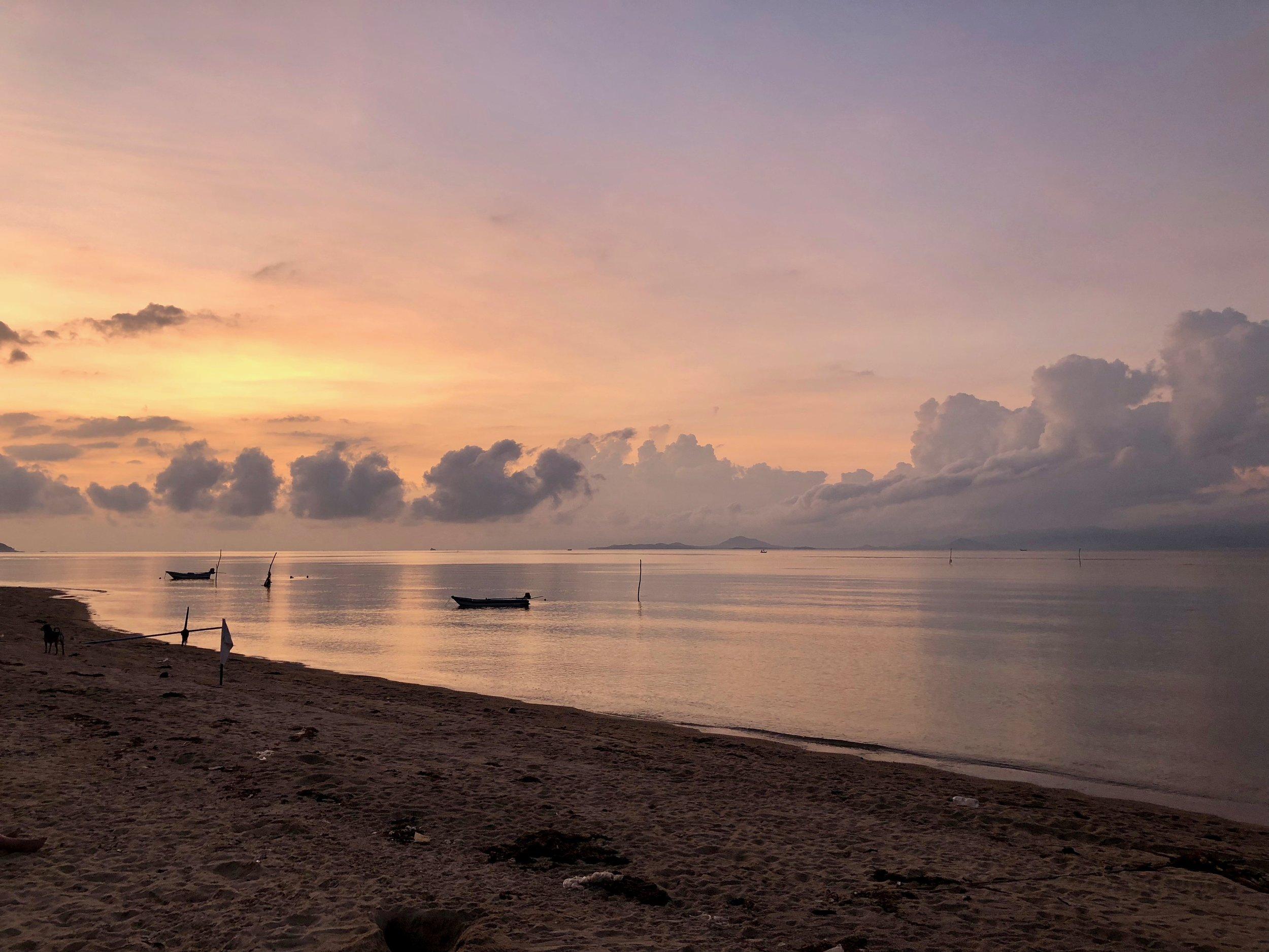Sunset at Echo Beach Backpacker Hostel