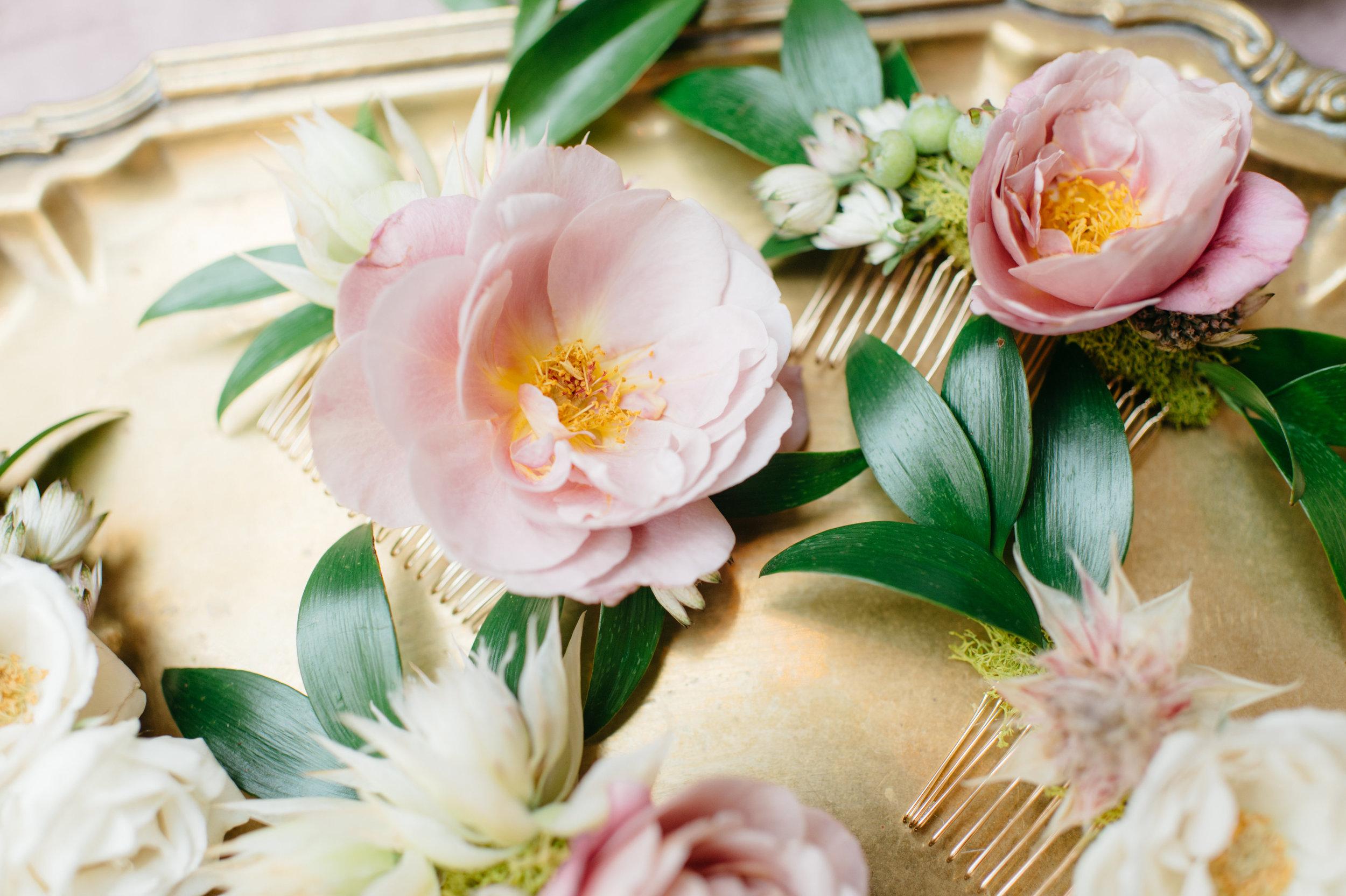 custom wedding planners michigan event design paper goods florals hairpiece